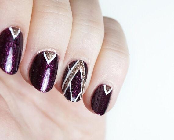 Abstracte 'V' Nail Art